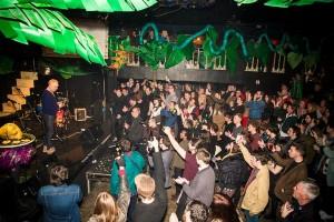 Dave Pichilingi and crowd, GIT Awards 2015, image courtesy Keith Ainsworth