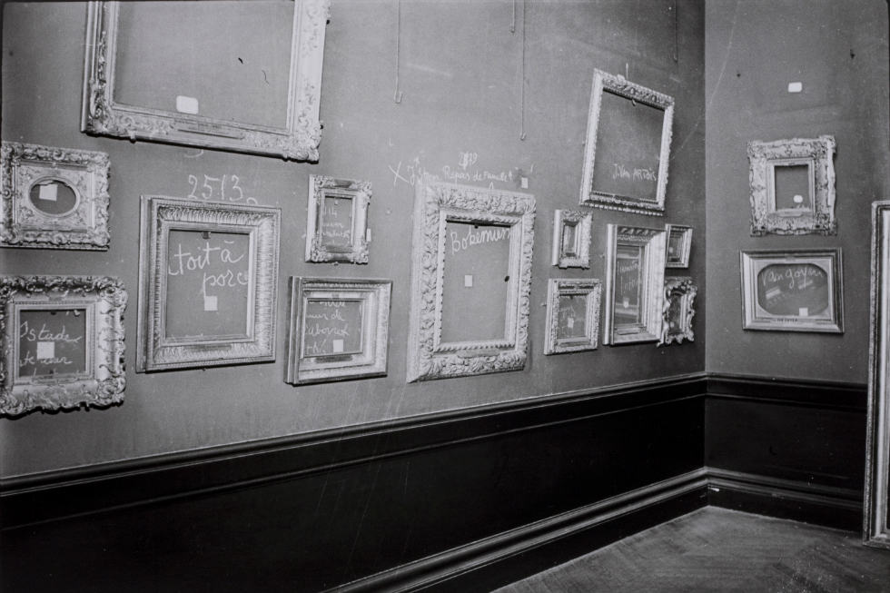 Paul Almasy, Louvre Paris (1942)