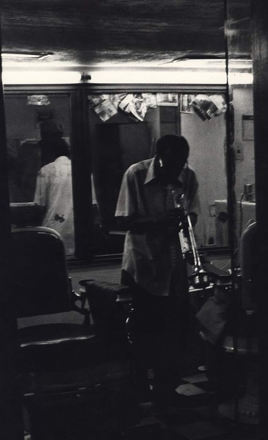 Ming Smith, Love Barber Shop Jazz (from the August Wilson series), Pittsburgh, PA, 1993, vintage gelatin-silver print. Ming Smith and Steven Kasher Gallery, New York.