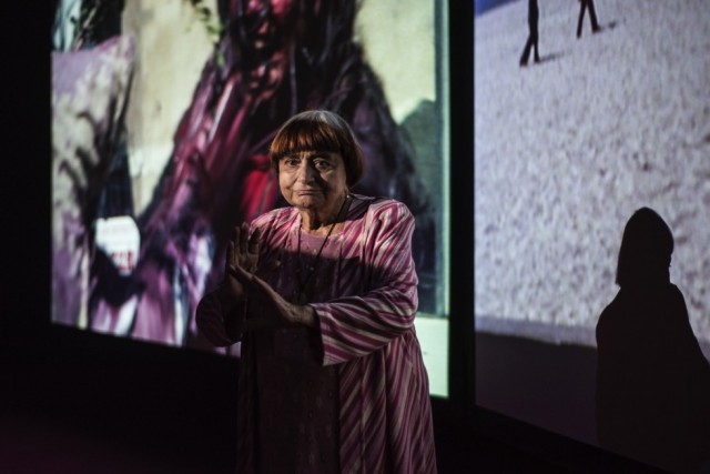 Agnès  Varda  with  3  moving  images.  3  rhythms.  3  sounds,  2018.  Photo:  Thierry  Bal