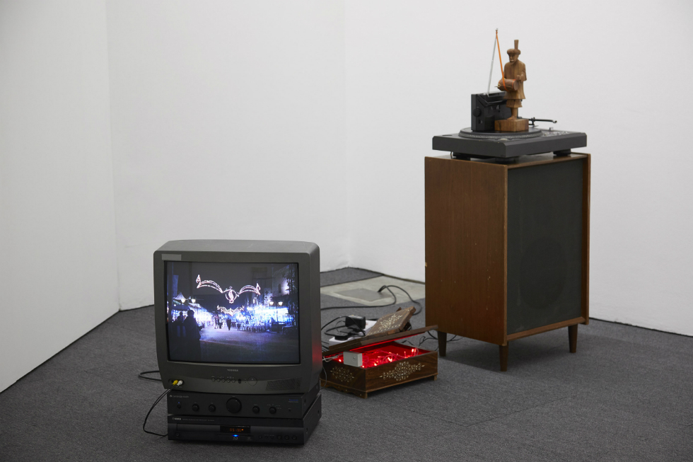 Haroon Mirza reality is somehow what we expect it to be 2018 Ikon_main