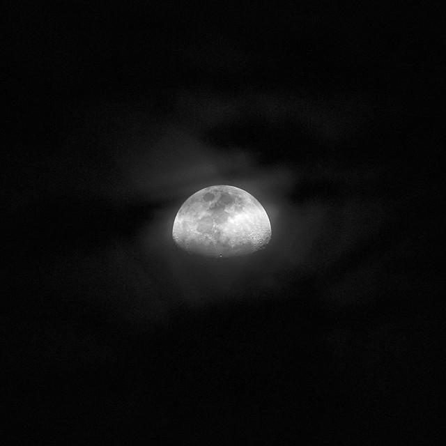 moon_04_980px