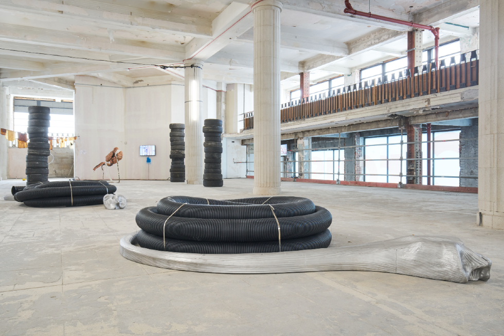 Alice Channer, Ammonite, 2019. Installation view at Lewis's Building, Liverpool Biennial 2021. Photography_ Rob Battersby (1)-web
